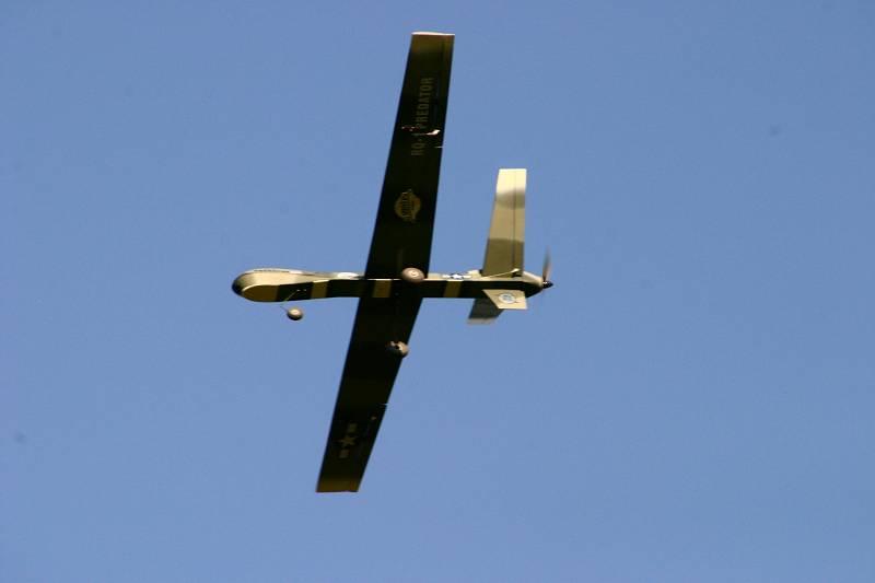 UAV PREDATOR SPY PLANE